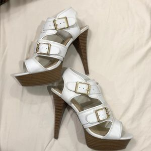 Stylish White Sandals!